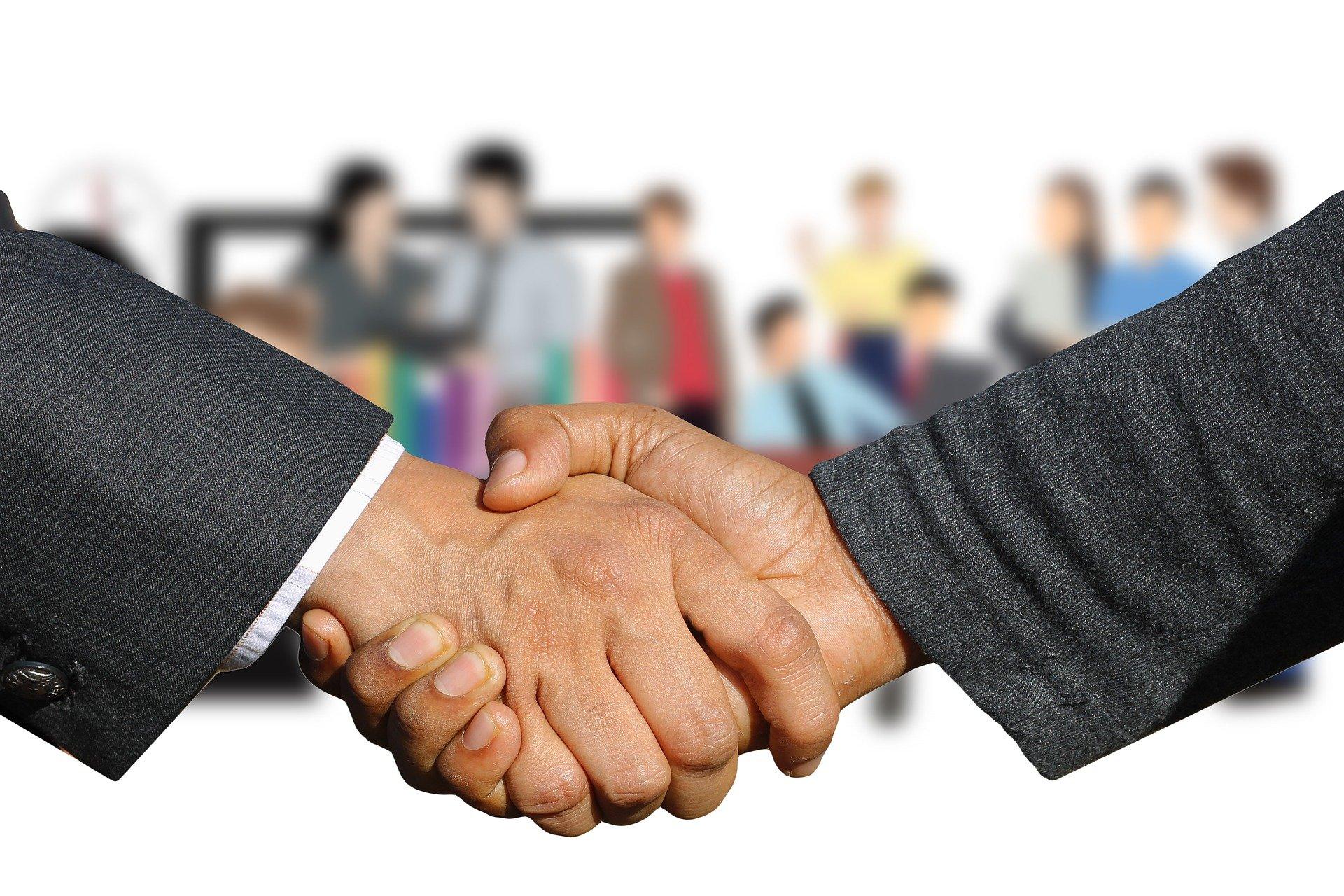 forum_handshake.jpg