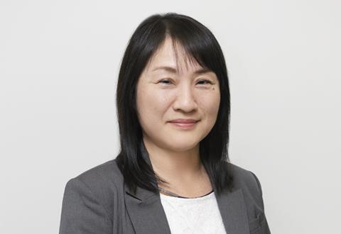 石田 ひとみ先生